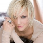 short medium hairstyles straight hair 150x150 Cute Short Medium Hairstyles 2014