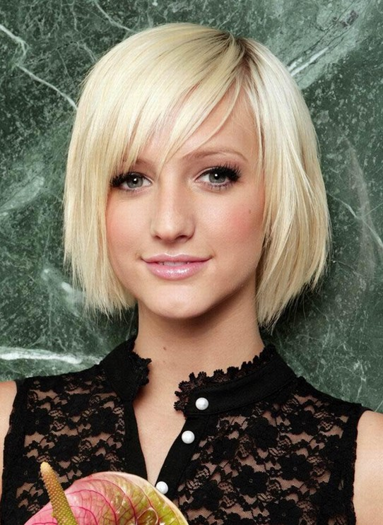 2014-Hair-Trends-Cute-Short-Blonde-Straight-Hairstyle-with-Bangs